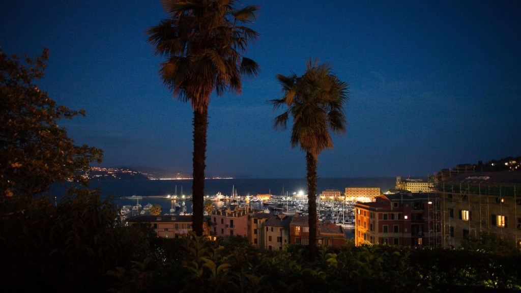 Villa Durazzo visa panoramica del porto di santa margherita dopo il tramonto