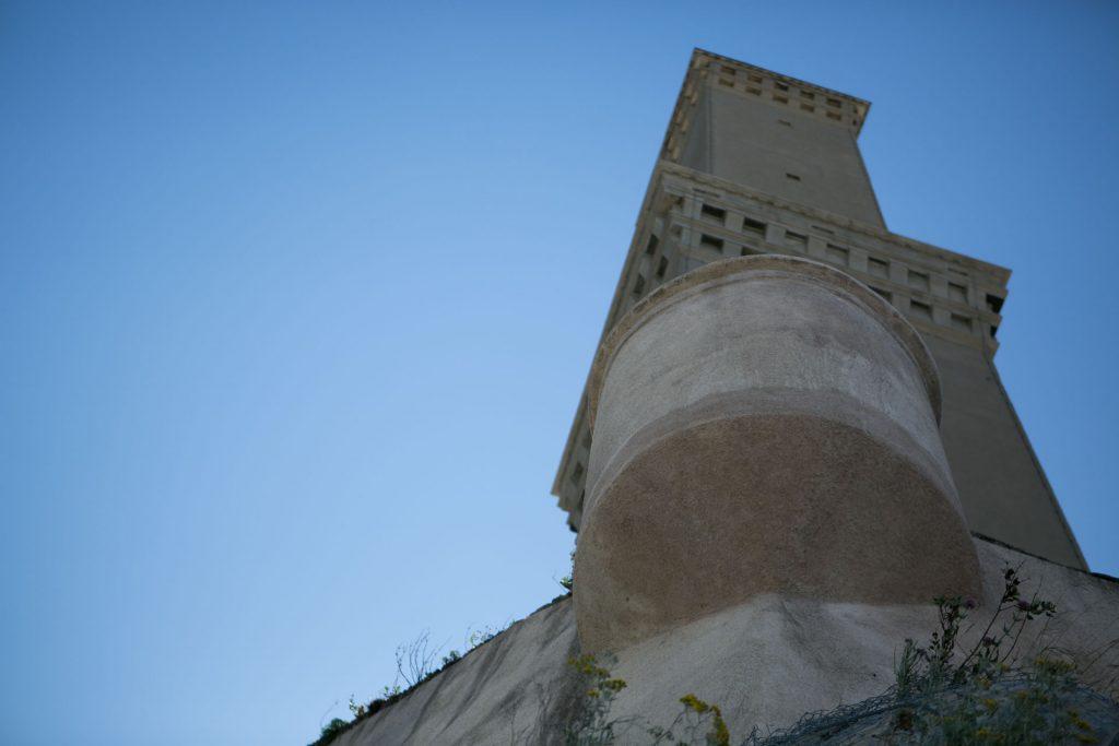 Lanterna di Genova vista panoramica della lanterna dal basso